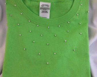 Green short sleeve with hand beaded white pearl bead T-shirt for little girl.