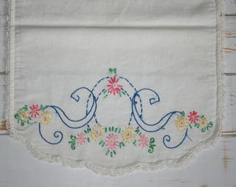 Hand embroidered table runner, Embroidered Cotton Table Runner, Dresser Scarf, Hand Stitched, Embroidered Table Runner