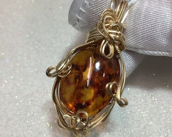 Baltic Amber PENDANT - Deep Orange- 14k gold fill - w/ necklace 12ct (2518g9)