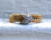 Authentic Vintage Paloma Picasso for Tiffany & Co. Diamond Flexible 18K Yellow Gold Arrow Chevron Band Ring.