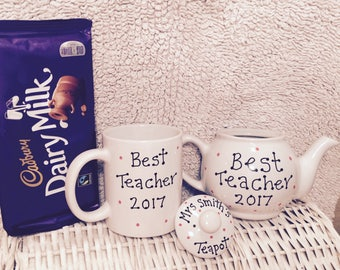 Personalised 2 cup teapot, mug and choc bar. Personalised Teacher present/gift. Personalised end of term gift/present. Any personalisation!