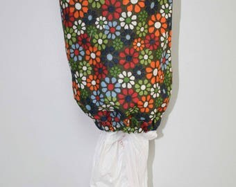 Petite Daisies Plastic Bag Holder, Grocery Bag Holder, Bag Holder, Bag Dispenser