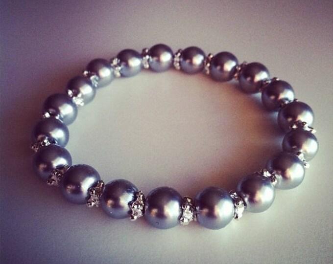 Light grey and silver flowers Beads Bracelet
