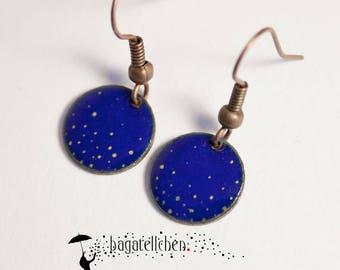 blue colourd enamel earrings painted with dots, 1cm