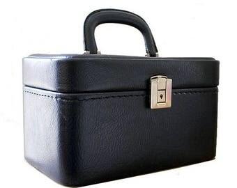 1960 blue train case / 60s vanity case