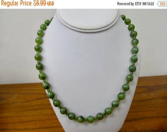 ON SALE Vintage Marbleized Green Plastic Beaded Necklace Item K # 1112