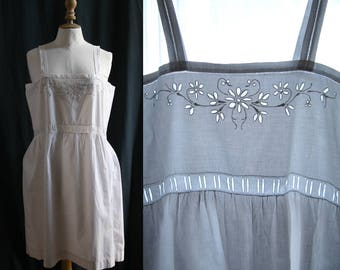 Lingerie 1920's, White dress/nightgown, embroidery, linen.