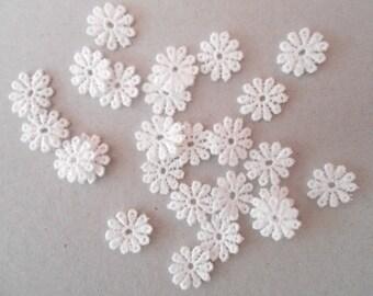 25 mini 11 x 12 mm white lace flower