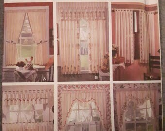 Simplicity 8694, Stenciled Curtains Sewing Pattern