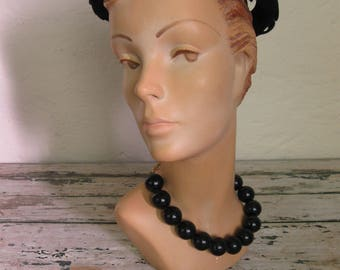 Vintage 1960's Black Bobble Choker// Chain Link// Round Beads