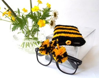 Glasses Case, Reading Glasses, Eyeglasses or Sunglasses Holder. Glasses Case in Yellow and Black with Two Pom-Poms.