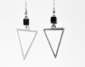 Boucle d'oreille geometrique triangle/ Geometric earrings triangle