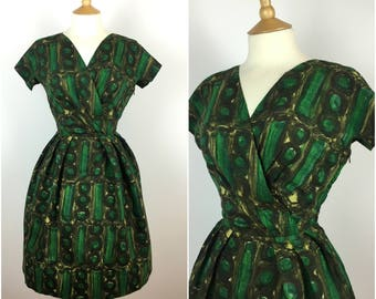 Vintage 1950s Dress - 50s Green Novelty Print Dress - Pleated Skirt - Swing dress - Rockabilly Pinup - Small - UK 8 / US 4 / EU 36 -