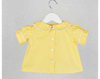 SALE - Girls Blouse - 100% cotton short sleeve Polka dots  Blouse - Peter pan collar- Yellow - Size 3T
