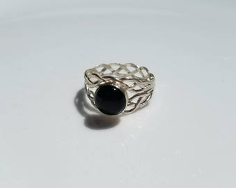 Unique hand braided sterling silver delicate onyx ring, size 7
