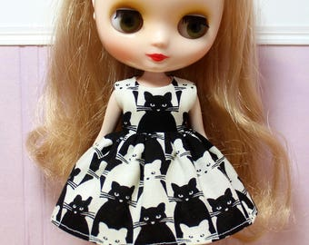 BLYTHE Middie doll Its my party dress - black and white cats