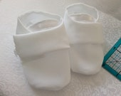 CLEARANCE — White Crepe Baby Shoes with side buttons 0-3 months