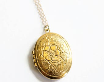 Vintage Gold Floral Oval Locket Necklace, Gold Filled Necklace, Circa 1960's