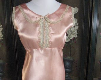 1930s Peach Satin &. Lace Bias Cut Nightgown...size Medium to Large
