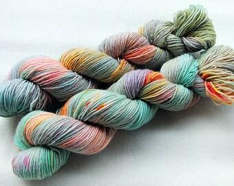 Handdyed SockYarn, 75 Wool, 25 Nylon 100g 3.5 oz. Nr. 127