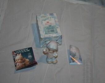 "Rare 1992 Precious Moments Sugar Town #528668 ""Sammy Boy with Snowballs"" Figurine!  Enesco Corporation / Made in Thailand"
