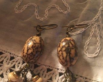 Earthy Seed earrings