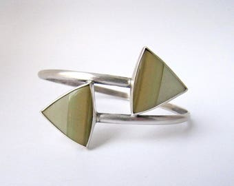 Out Across The Levels - sterling silver owyhee sunset jasper bangle, olive green scenic jasper, silver geometric chevron triangle bracelet