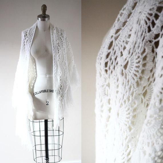 1970s crochet shawl // 1970s wedding shawl  // 1970s knit shawl