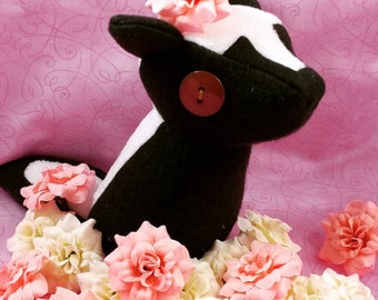 Squishy Skunk Plushie, Cute Unique Gift, Squishy and Kawaii Handmade, Perfect for Nature Lovers and Kids, Woodland Creature, Cute Skunk