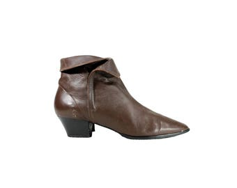 Size 9 Brown Leather Zip Up Ankle Boots // Brown Ankle Boots // 1990s 90s // G539