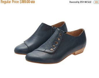 CHRISTMAS IN JULY Flat navy blue shoes/ Grace/ leather shoes with a side zipper
