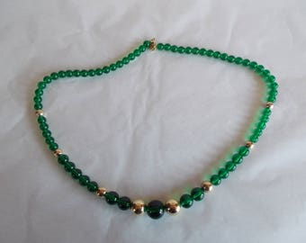Vintage Japan Green And Gold Tone Beaded Necklace // 31