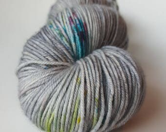 TO order - skein of Superwash Merino / Nylon - Fingering / Sock - DarkoIris