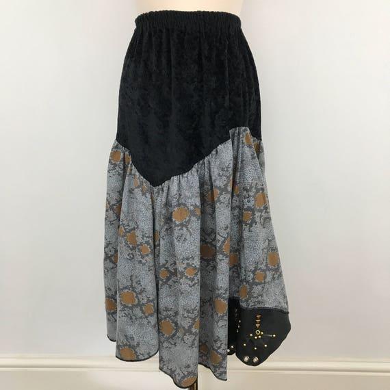 vintage skirt studded snakeskin print flared velour animal gold embellished leather elasticated waist UK 14 US 10 trashy 80s