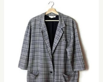 ON SALE Vintage Oversized  Gray x White Checked/Plaid Slouchy Blazer from 1980's*