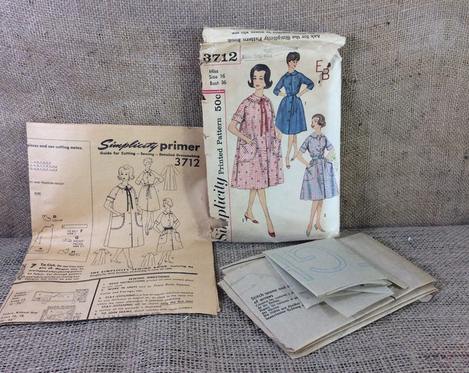 Vintage Simplicity Primer Pattern 3712, 2.50 US shipping, pattern from the 1960's, sewing pattern for bath robe, bath robe pattern