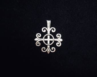 Filigree pendant, so over cross charms, round decorative silver charm or pendant 10 pieces 32x24 mm antique silver finish