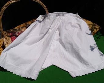 Antique Plain White Panties or Shorts Bottom Stitched Scalloped Cotton Antique French Lingerie Medium Large #sophieladydeparis
