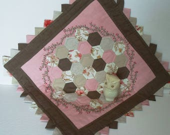 Handmade English Paper Pieced Tumbler Cotton Mini Quilt Table Topper Shabby Style