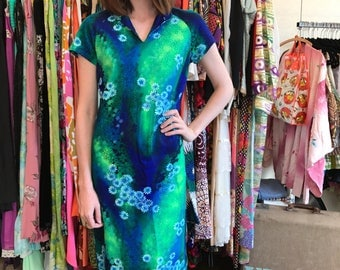 1960's Cotton Floral Mu'uMu'u Dress