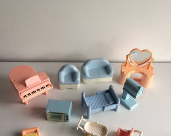 Vintage Playskool Doll House Furniture and Accessories Lot of 10