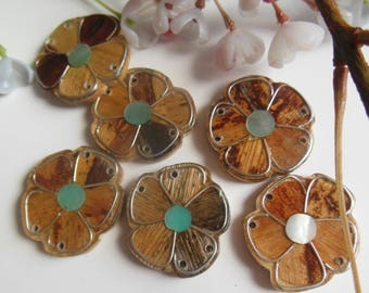 set of 6 beads in the shape of flowers made of wood and plexiglass