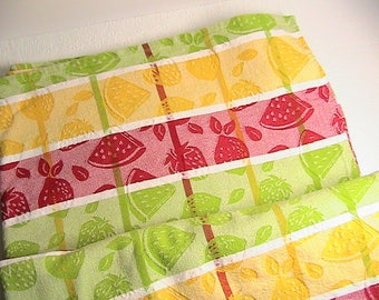 Tablecloth and Placemats, Vintage Bright Colored Fruit Design Table Cloth and 4 Lemon Slice Placemats