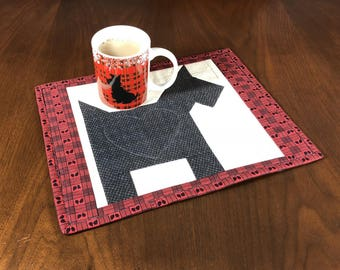 Dog Theme Mug Rug, Scottie Dog Quilted Snack Mat, Mini Placemat, Luncheon Mat, Handmade Quilted Mugrug, Mini Quilt, Gift for Dog Lover