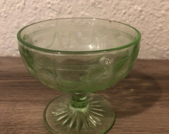 Vintage Vasoline Uranium Etched Sherbert Dessert Cup