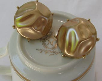 Vintage Mid Century Toffee Colored Thermoset Crater Molded Earrings, Gold Clip Back Style