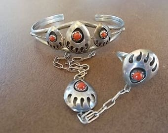 Vintage~Native American / Southwestern~SLAVE  BRACELET~Sterling Silver~ Coral~Bear Paw~CUFF~Pendant Ring~sz~8~Fine 925 Jewelry~small wrist