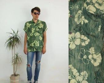 ON SALE 90's vintage men's green Hawaiian-ananas printed boho shirt
