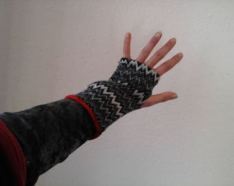 Mini mittens, grey, black and white.