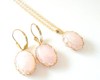Quartz gold filled set pendant and earrings . French handmade jewelry. Shipping worldwide. Woman Taurus. Christmas April Birthstone gift.